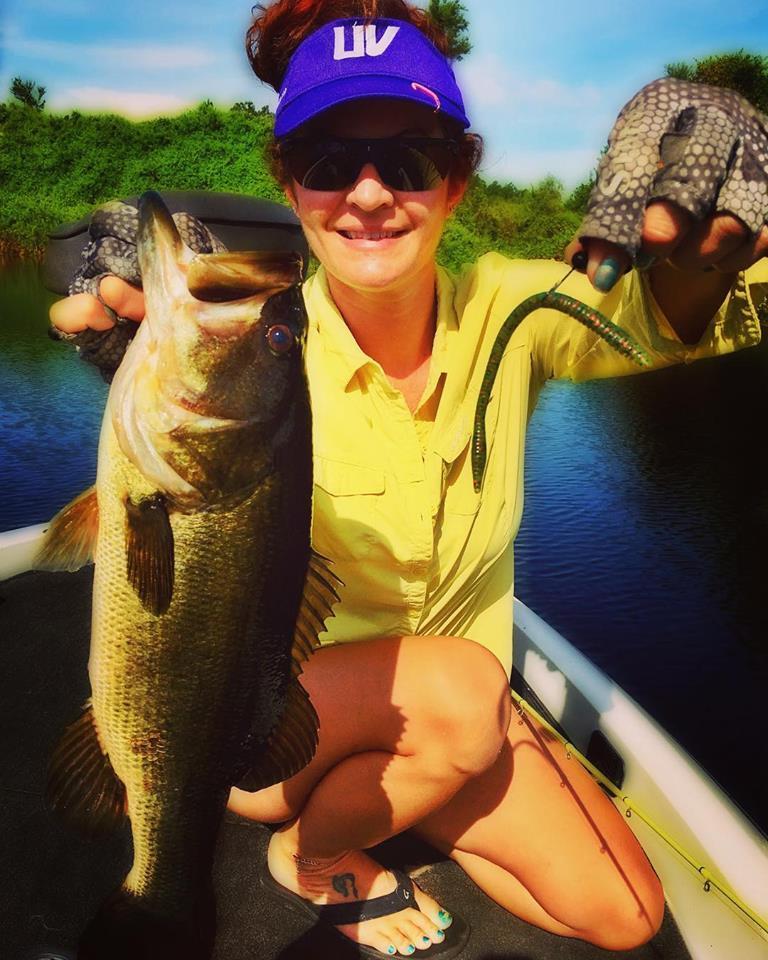 women bass fishing in Florida